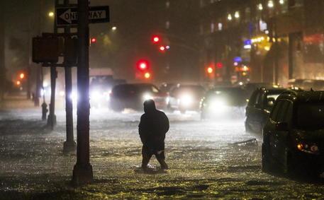 La pioggia a New York © EPA