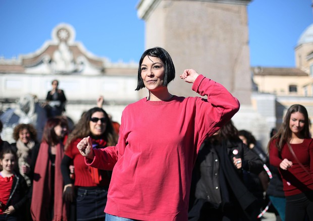 Donne in piazza del Popolo, a Roma, in occasione del 'One billion rising' © ANSA