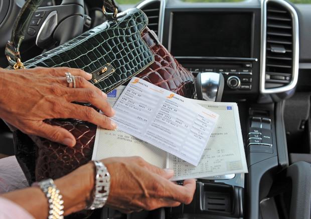 Risultato immagini per BOLLO AUTO IN CAMPANIA