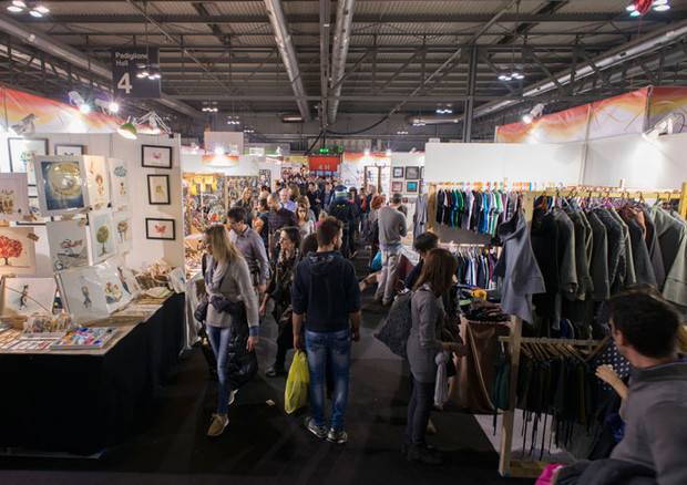 L artigiano in fiera moda design abitare la casa e for Fiera a rho oggi