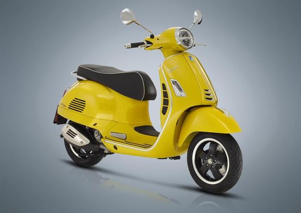 Piaggio Aggiorna La Vespona Gts Con Motore 300 Hpe 238 Cv