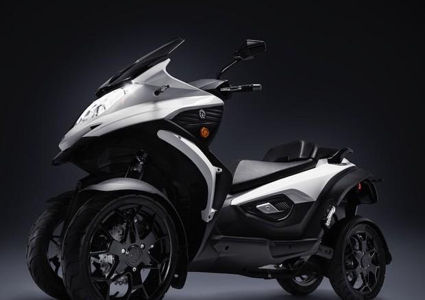 In vendita in Italia Qooder, lo scooter del futuro a 4 ruote