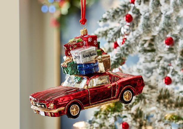 Addobbi Natalizi Quando.Addobbi Di Natale Per I Patiti Ci Sono Le Auto Da Appendere Attualita Ansa It