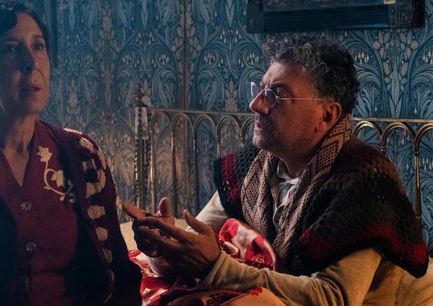 Castellitto e Confalone sul set di Natale in casa Cupiello (ANSA)