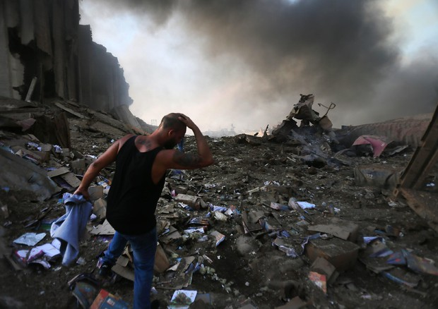 I danni causati dall'esplosione a Beirut (ANSA)
