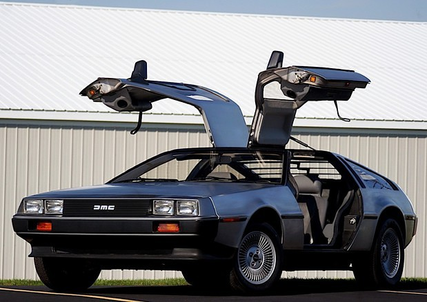 Auto, all'asta replica della DeLorean di