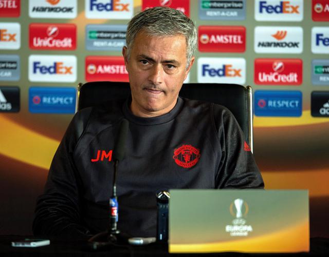 Allenatore Manchester Jose Mourinho durante una conferenza ...