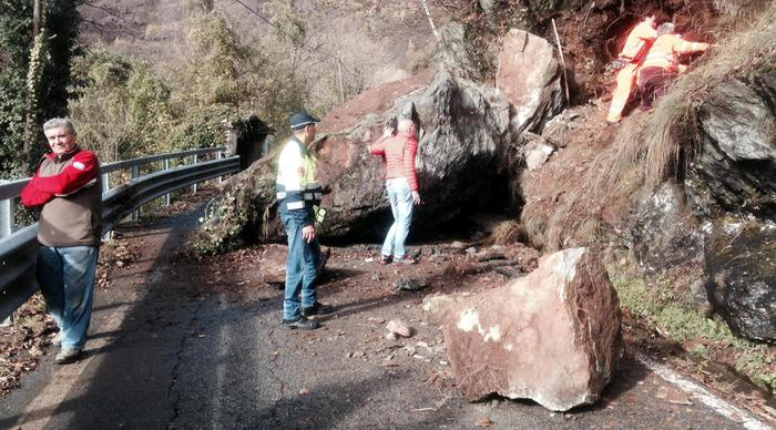 Weird Italy aaad66909a0b2a12e694e47c37f5d2ea 1 killed as boulder hits car What happened in Italy today