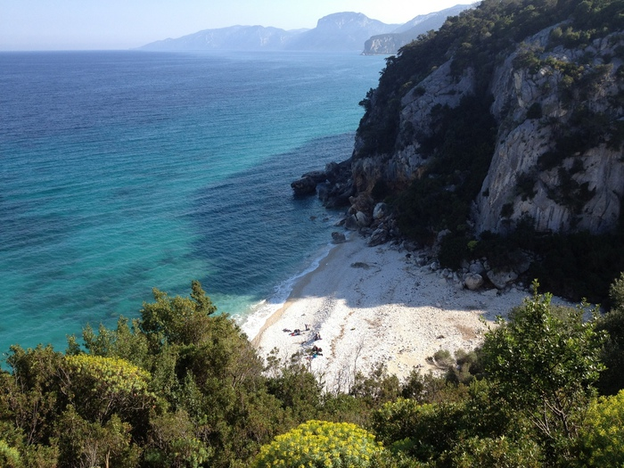 12-06-2021_corridoio_per_barche_salva_turismo_a_cala_luna.html