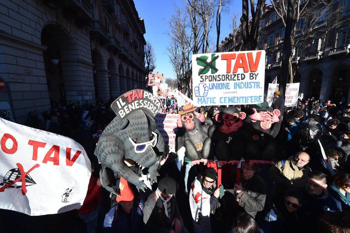 Corteo a Torino, è il giorno dell'orgoglio No Tav – Piemonte – ANSA.it