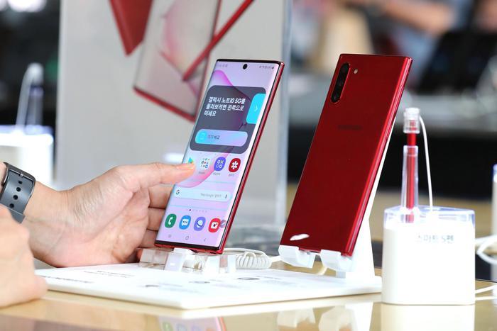 Samsung conferma, smartphone pieghevoli sostituiscono i Note