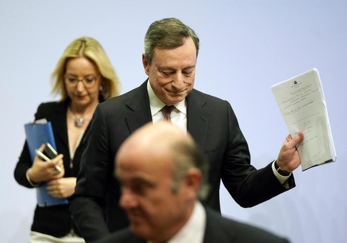 Draghi: 'Il Qe ha ancora uno spazio considerevole'. Spread giù. Trump attacca – Economia – ANSA