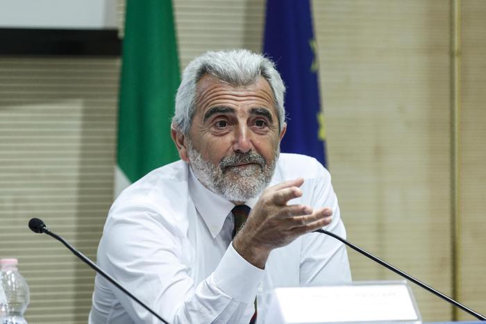 """Forum all'ANSA con il coordinatore del Cts Agostino Miozzo: """"La scuola non  è un pericolo"""" - Cronaca - ANSA"""