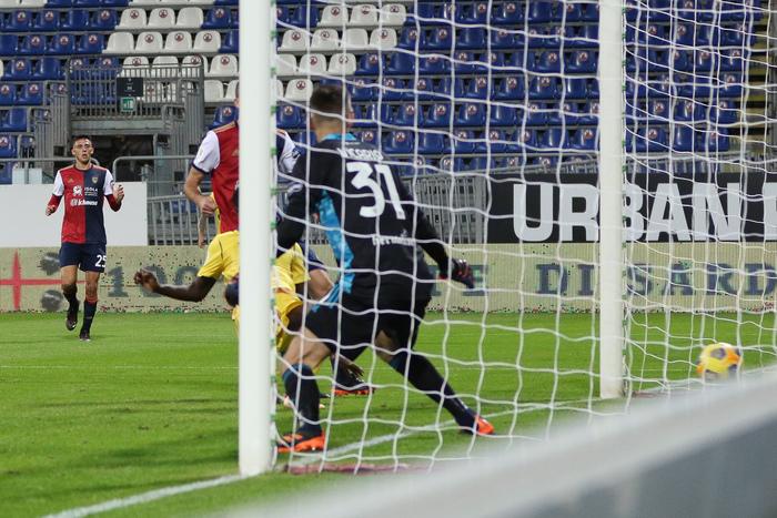 Calcio: in Coppa Italia Cagliari-Verona 2-1