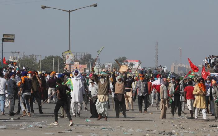 India: marcia dei contadini autorizzata a entrare a Delhi - Ultima Ora