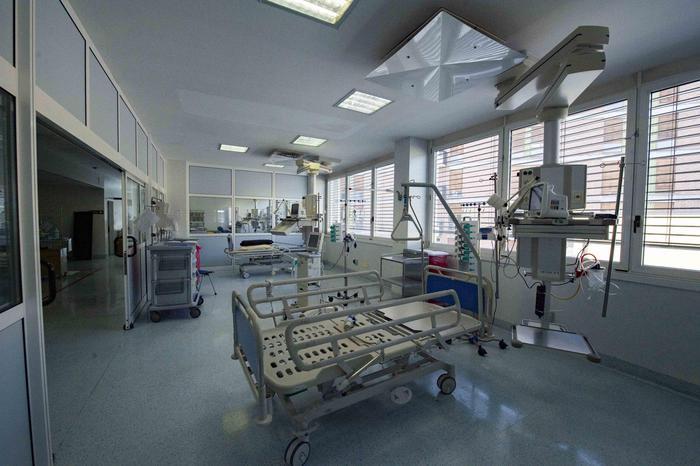 Materiale ospedaliero finiva sul mercato, 2 arresti