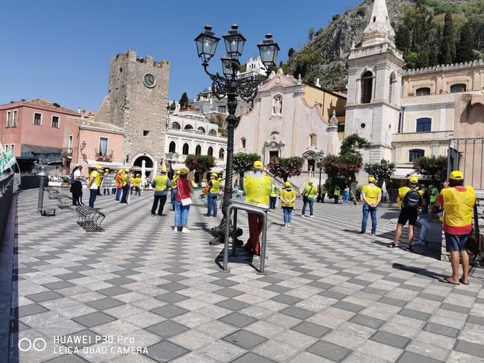 Fase 3: flash mob lavoratori stagionali turistici a Taormina