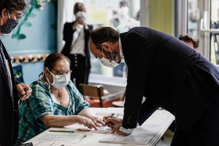 Francia: vincono l'astensione e premier Philippe a Le Havre - Ultima Ora thumbnail
