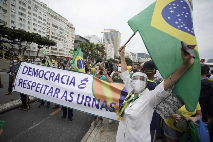 Duro attacco di Bolsonaro all'Oms - Ultima Ora thumbnail