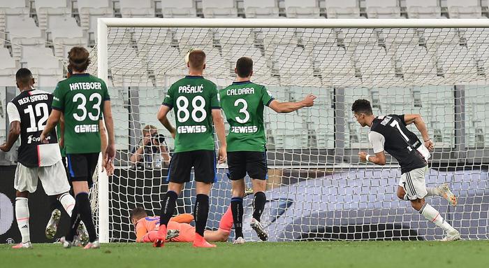 Calcio: attacco atomico Atalanta 'chiama' goleada nel derby