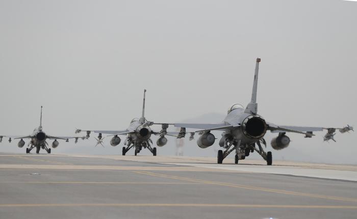 Usa formalizzano la vendita di F-16 a Taiwan - Asia