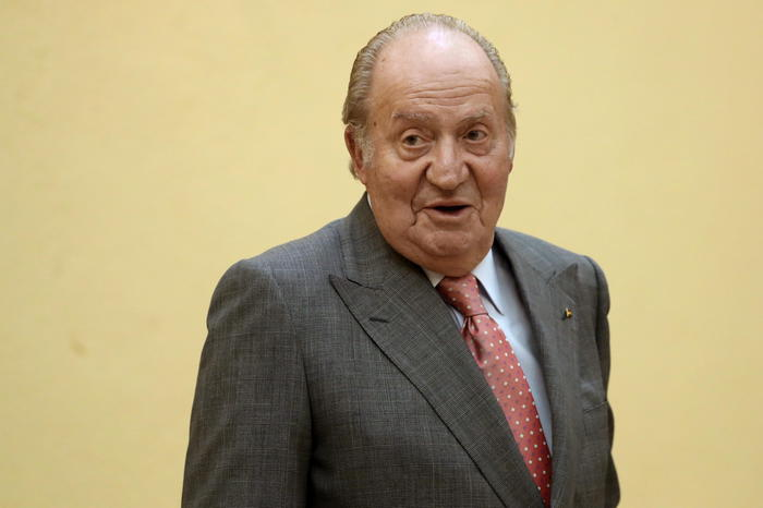 Un anno fa l'ex re Juan Carlos lasciò la Spagna