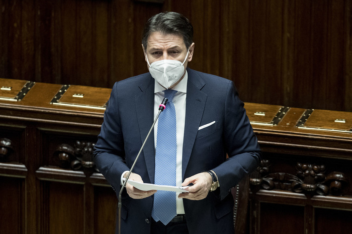 Weird Italy 7565bd534d82067492bb9445e9b087bc Conte appeals to 'constructors' to save his govt - English What happened in Italy today