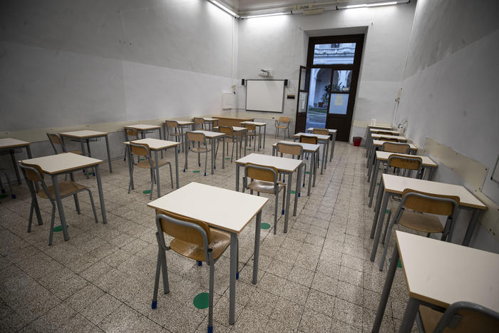 Weird Italy fac1188e009852c9f921c928fa7ed29e COVID: Rome school closed after Brazil variant found What happened in Italy today