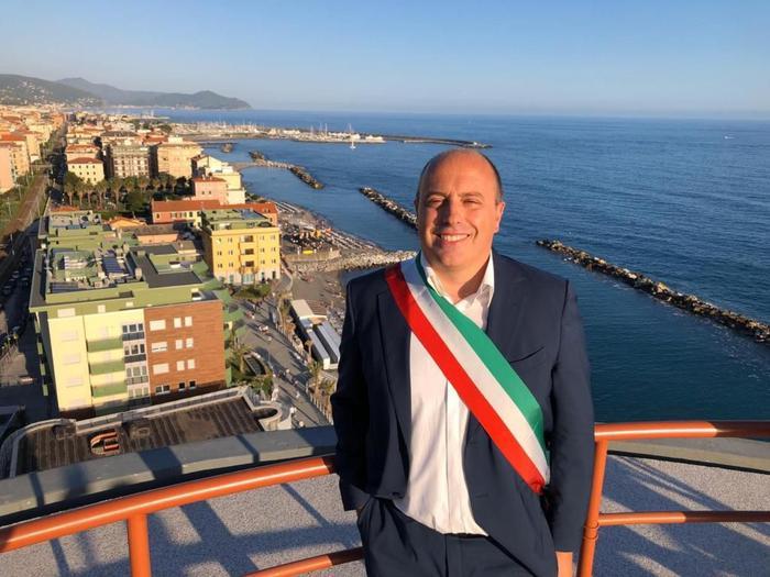 Comune Chiavari, morto all'improvviso il sindaco Di Capua - Liguria