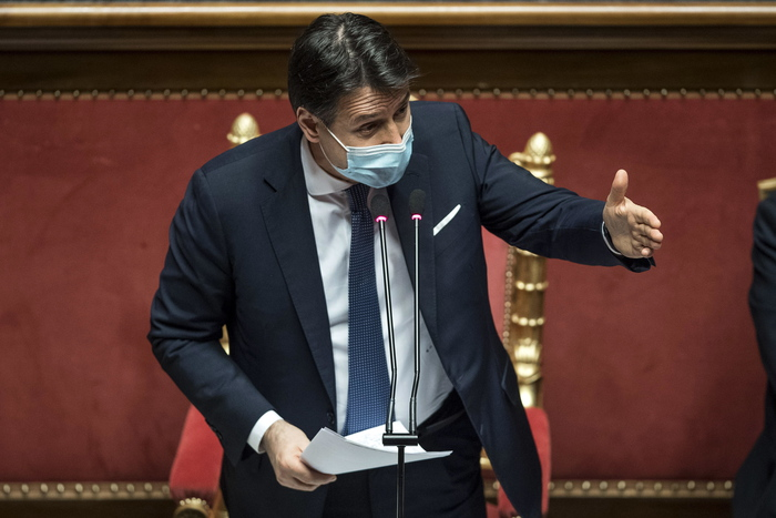 Weird Italy 37381cffd4c0bc0ea5a4db548bd34de4 Conte wins Senate confidence vote - English What happened in Italy today
