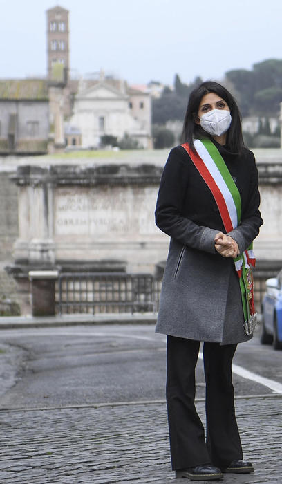 Alitalia: Raggi,non va svenduta,non lasciamo soli lavoratori - Ultima Ora