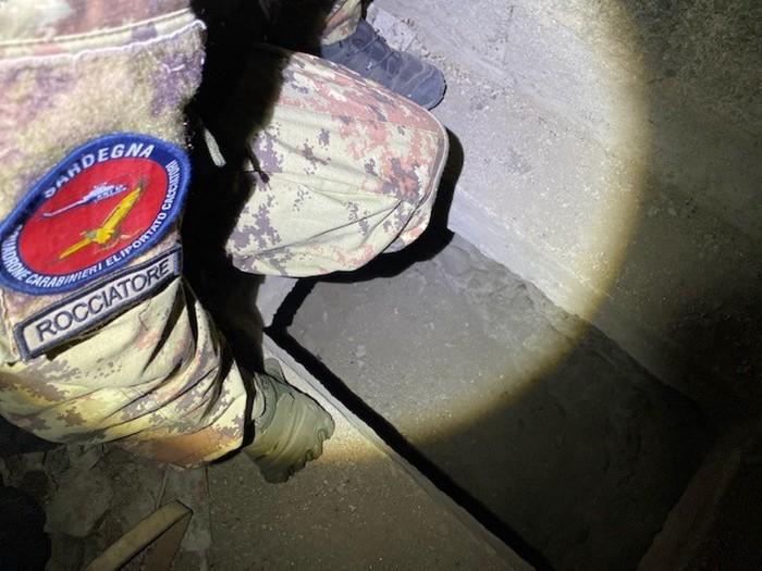 09-10-2021_carabinieri_scovano_bunker_con_armi_in_paese_del_nuorese.html