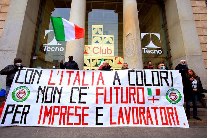 Weird Italy 8d7eb848687d9887df223c2962090b83 444,000 jobs lost in Dec over yr - ISTAT What happened in Italy today