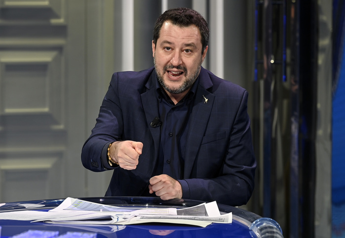 Weird Italy bfd88a85c3c824d5b352d5828e3b8d5d Draghi: Let's put rows aside, work together says Salvini What happened in Italy today