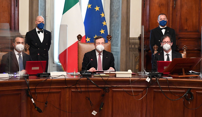 Weird Italy 6f1c5b00745ea39a95681e440cce0e7e Bourse up as Draghi govt gets down to work What happened in Italy today