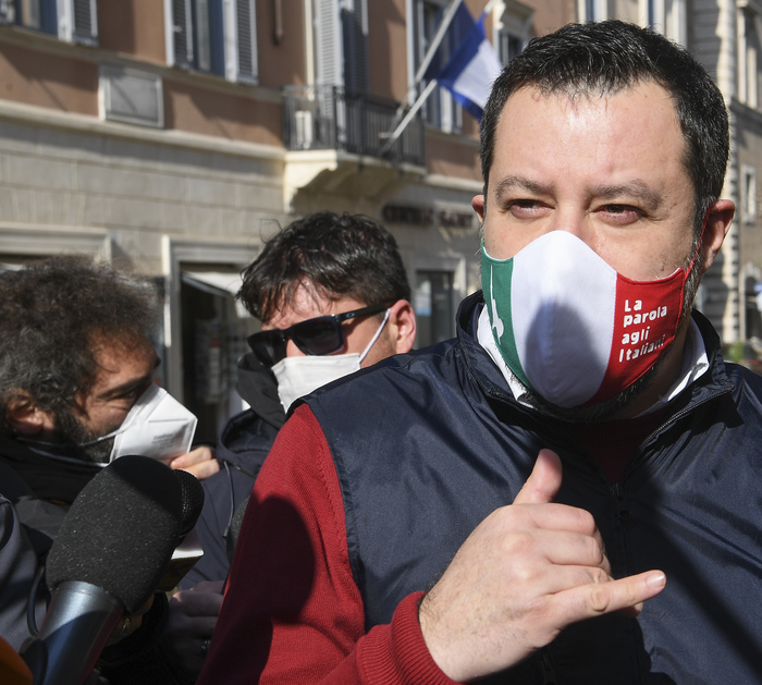 Weird Italy 832e8088373670d3a933f58120c22aee Man fired for selfie with Salvini while off sick rehired What happened in Italy today