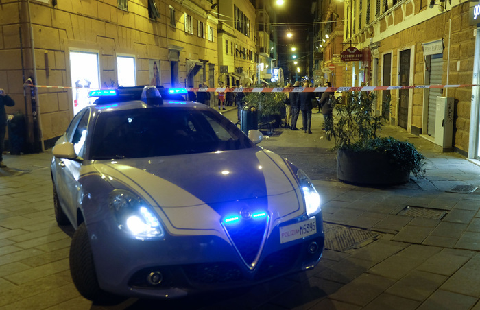 Weird Italy 063eadf373914823970d177563724756 11 arrested for serial thefts in Rome shops, home What happened in Italy today