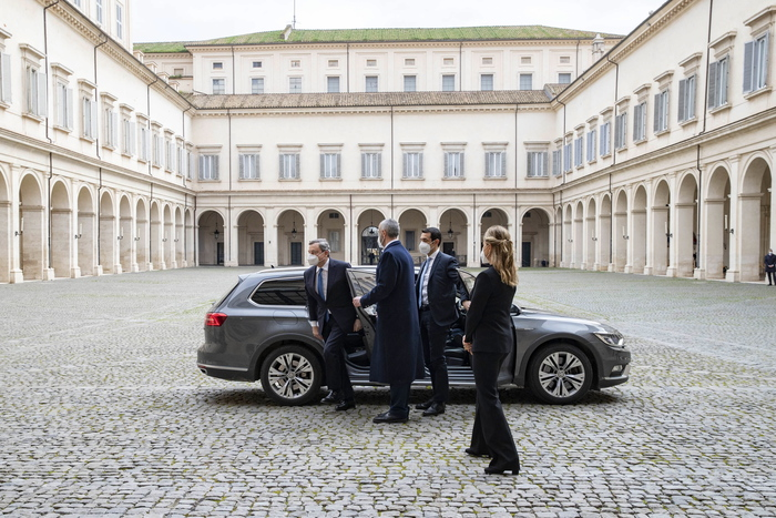 Weird Italy 8147d97ffc807d1015c7de3d96a4a1c0 Draghi gets premier mandate from Mattarella What happened in Italy today