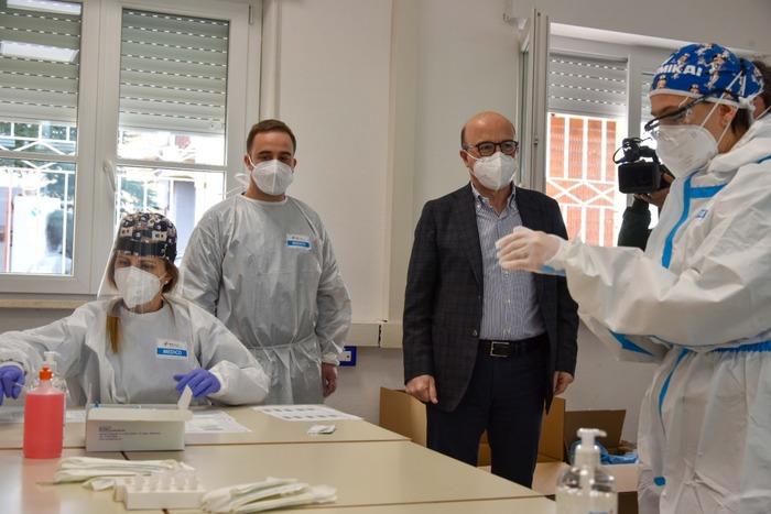 Vaccini: Sardegna verso sistema prenotazioni con le Poste