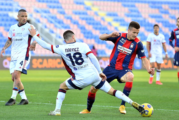 Weird Italy e545b32214d80fbe380520e28e6d8119 Soccer: Cosmi to take over at bottom side Crotone What happened in Italy today