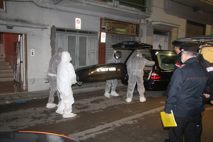 Weird Italy 027318d4ab84b5ffc2d59ce1530c0f1d Man hangs himself after killing wife, mother-in-law What happened in Italy today
