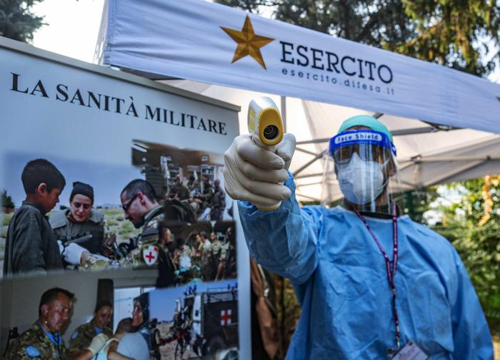 Weird Italy 6142ef6bcbf80f916e775b510a17be22 Trial of Army-run drive-in vaccination centre starts What happened in Italy today