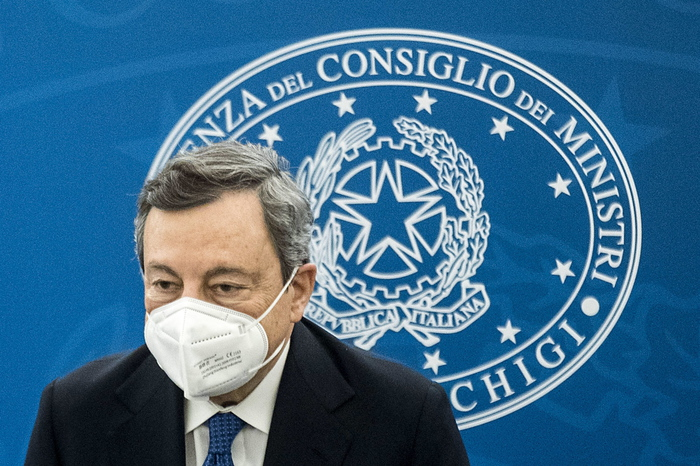 Weird Italy e7288e01f0cda56effd7bc67ce92a237 No blanket ban on vaccine exports to UK - Draghi What happened in Italy today