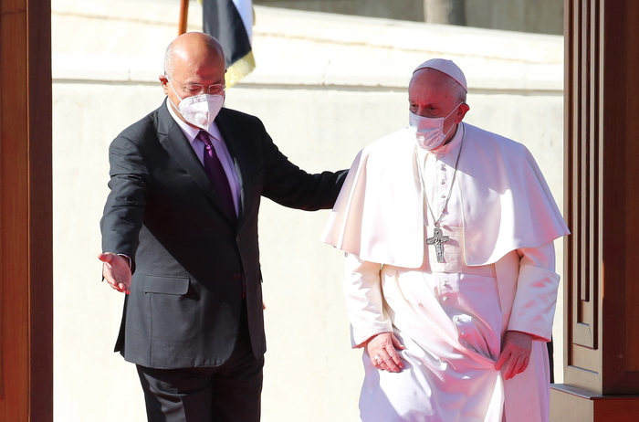 Weird Italy df4fbb35cd09fb9aa083dc71e877509a May arms fall silent says pope in Iraq What happened in Italy today