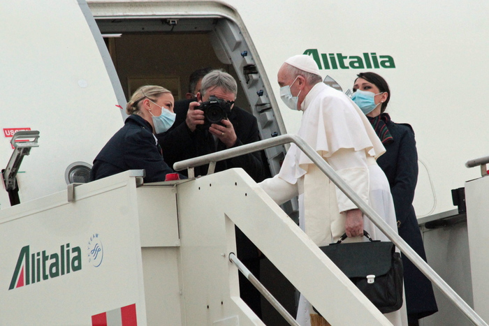 Weird Italy f59d122b67c13e6c67b6e62034f3376e 'Pilgrim of peace' Pope Francis flies to Baghdad What happened in Italy today