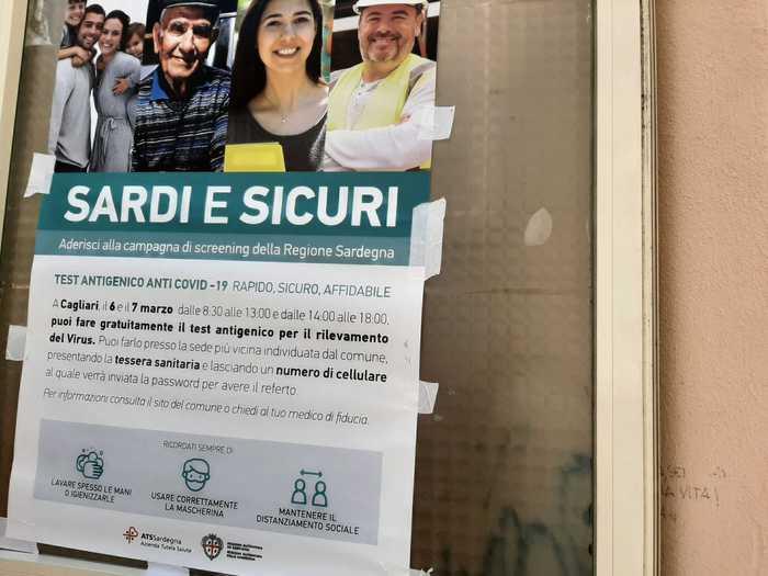 Covid: un morto e 323 nuovi contagi in Sardegna