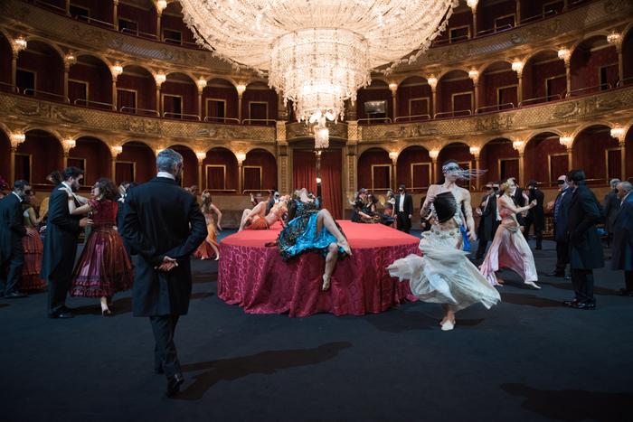 Opera Roma, Traviata diventa film nel teatro vuoto - Lazio ...