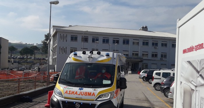 Weird Italy a842f26385823eeb573f73ec66bebd49 Worker electrocuted near Rome What happened in Italy today