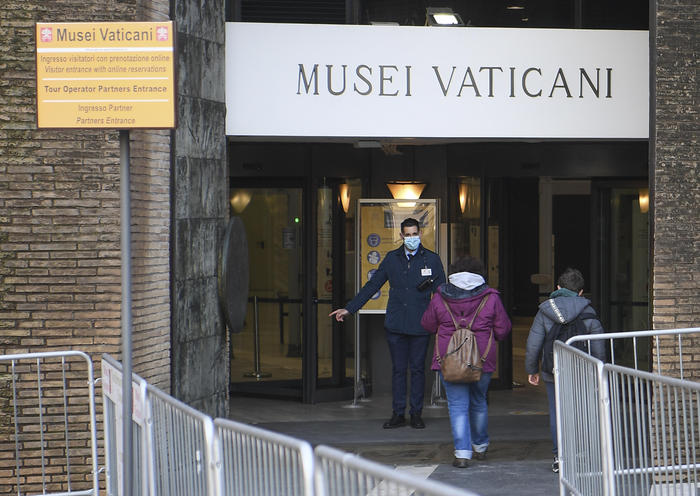 Weird Italy 47c1203bacc7fb1241d42e6161f61913 Vatican Museums to reopen May 3 with more stringent norms What happened in Italy today