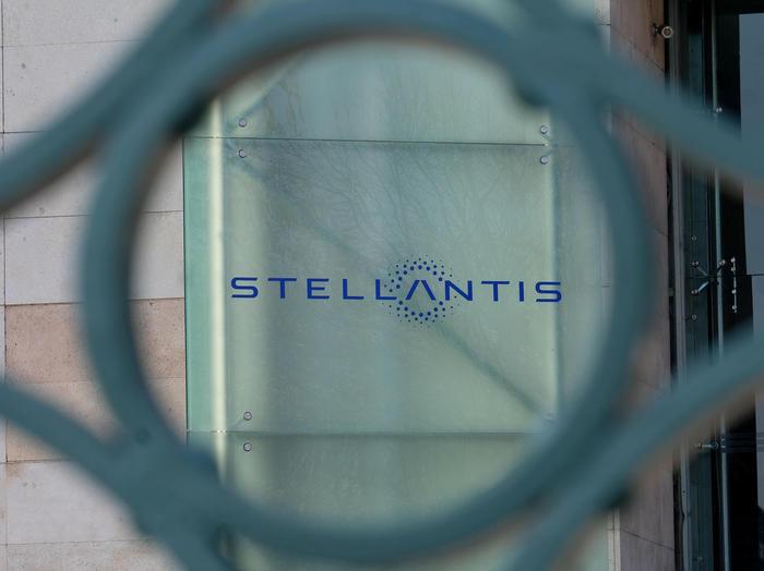 Stellantis: volano ricavi, Alfa 100% elettrica nel 2027